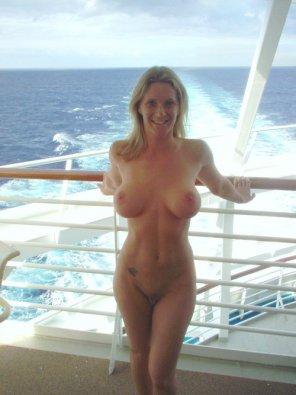 amateur photo On the open sea