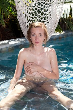 amateur photo Cutey in the pool