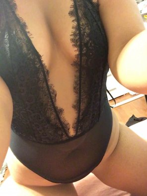 amateur photo Trying on some lingerie [F]