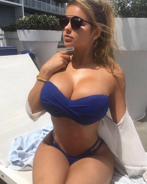 amateur photo Sun's Out, Boob's Out