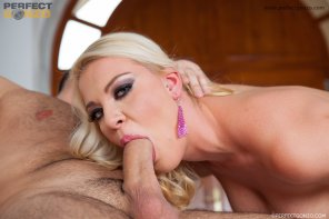 amateur photo Allison Blond gets slammed with a Hot Creampie