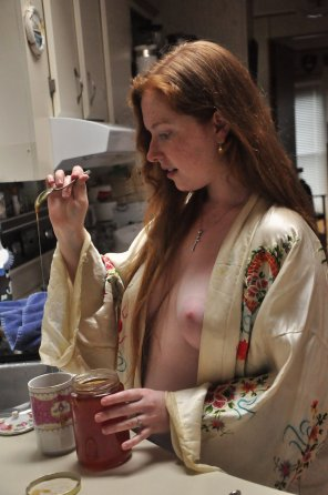 amateur photo Wild honey with her tea