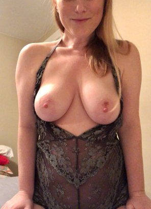 amateur photo Thought you might like to see what I'm wearing right now [f]