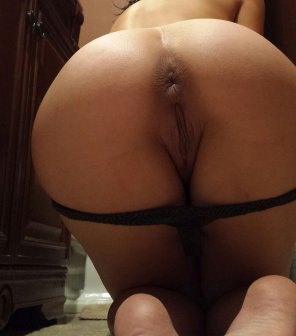 amateur photo Baring her butthole in the bathroom