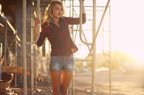 amateur photo Holding on to scaffolding - Rachel Yampolsky