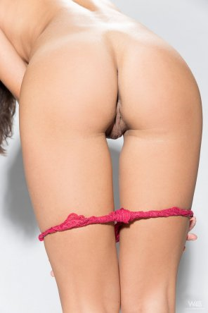 amateur photo Thong down