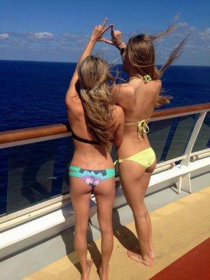 amateur photo Illuminated Bikini Asses
