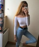 amateur photo Tight top and jeans