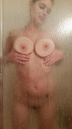 amateur photo shower tits