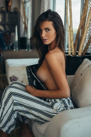 amateur photo Hailey Outland