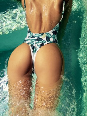 amateur photo Perfect in the pool