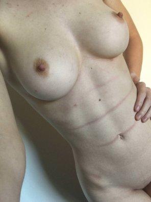 amateur photo Pale tummy