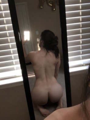 amateur photo I love how my back looks. What do you think?