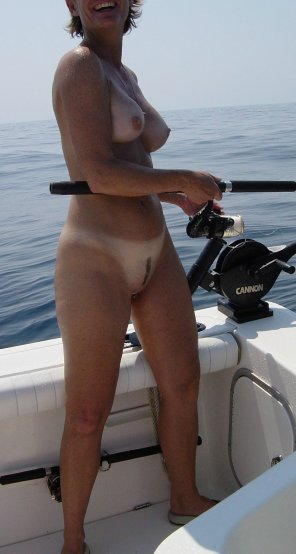 amateur photo Milf gone fishin'