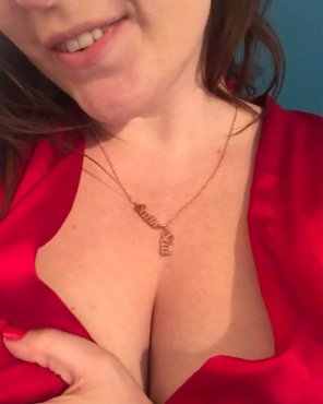 amateur photo Original ContentWhat should I wear with my new necklace?