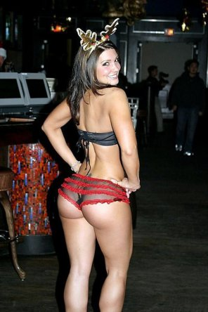 amateur photo Reindeer ass - Gina Carano