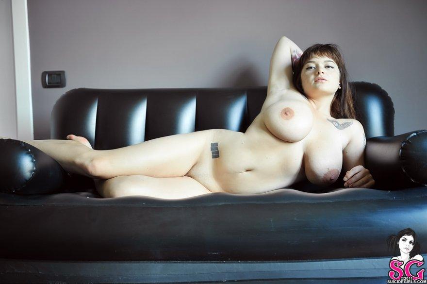 Clio Porn Photo