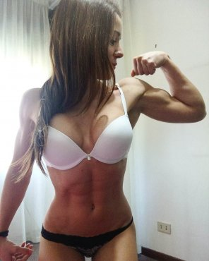 amateur photo Displaying her results