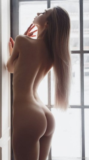 amateur photo Window...