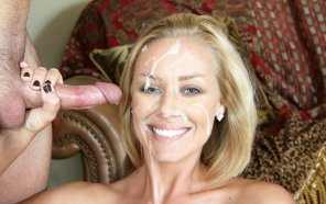 amateur photo Nicole Aniston received her reward