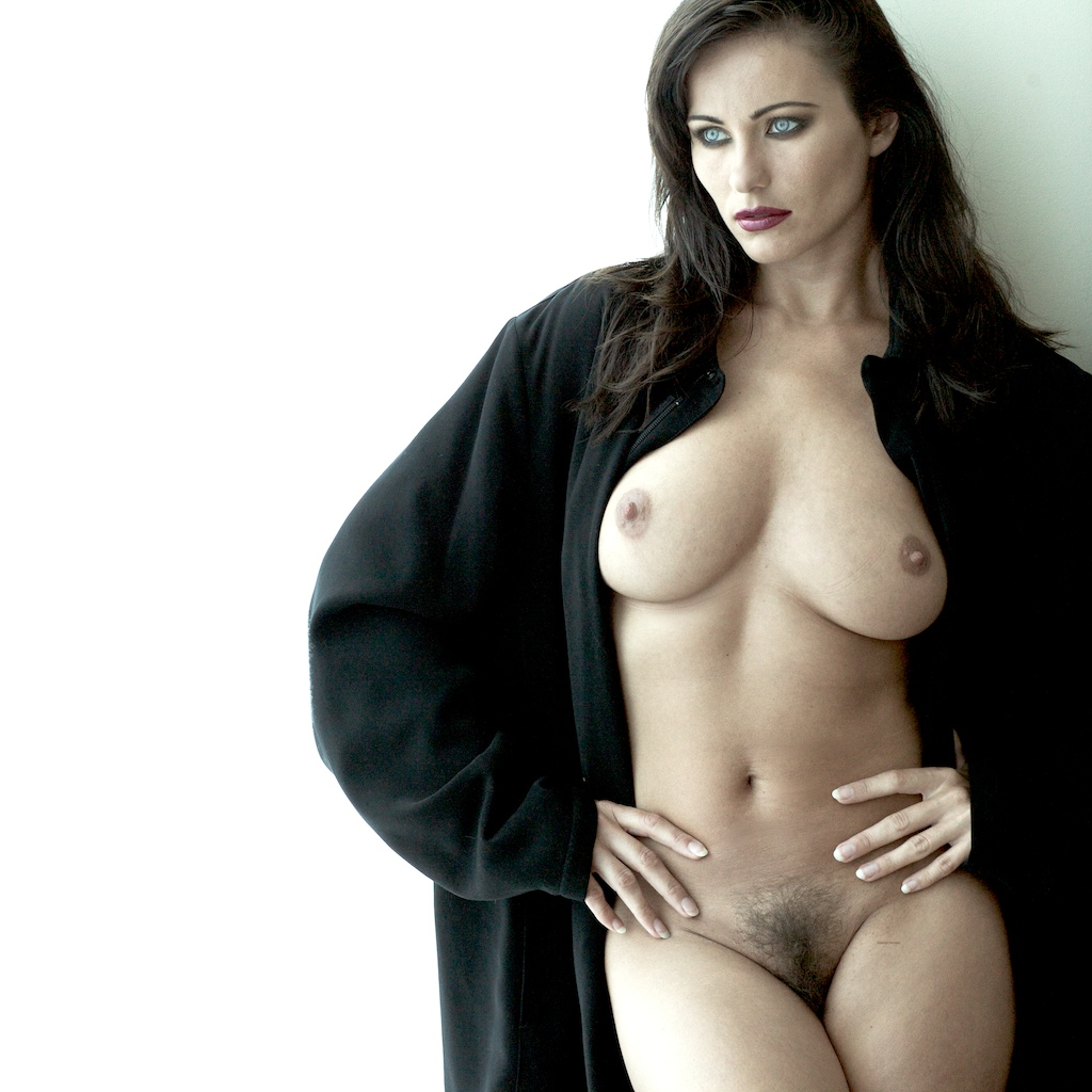 Serial model sexy hot fake boobs nude pic