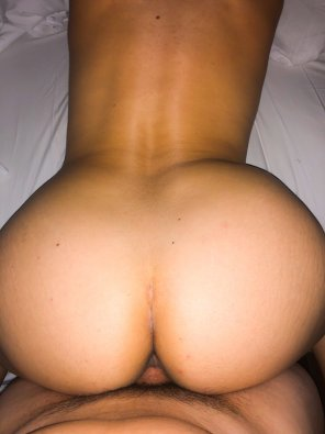amateur photo [F]ace down... wife's 40yo ass up.
