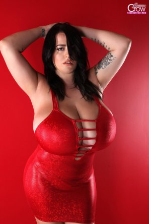 amateur photo Leanne Crow in a tight red dress