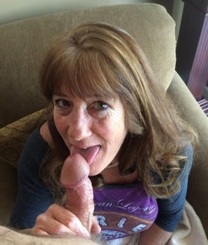 amateur photo Do you want to Cum for Mama?