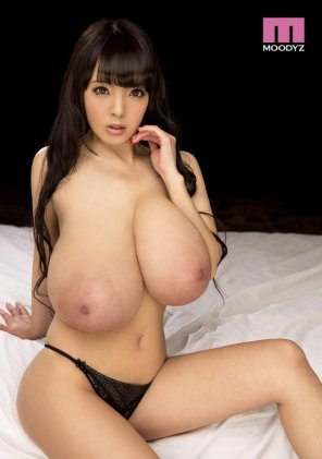 amateur photo Hitomi Tanaka in 2015: Bigger than Ever Before