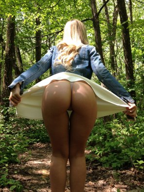 amateur photo You can [f] me in the forest.