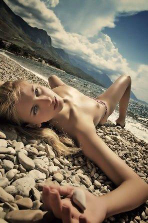 amateur photo Serene beach girl