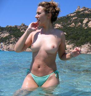 amateur photo Hot girl in topless