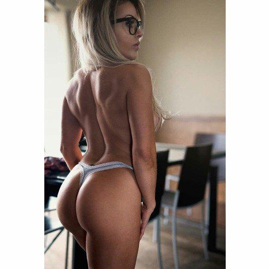 Superior thong Porn Photo