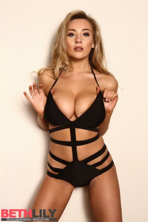 amateur photo Beth Lily in a black swimsuit
