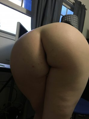 amateur photo My GF's 34yr old Ass