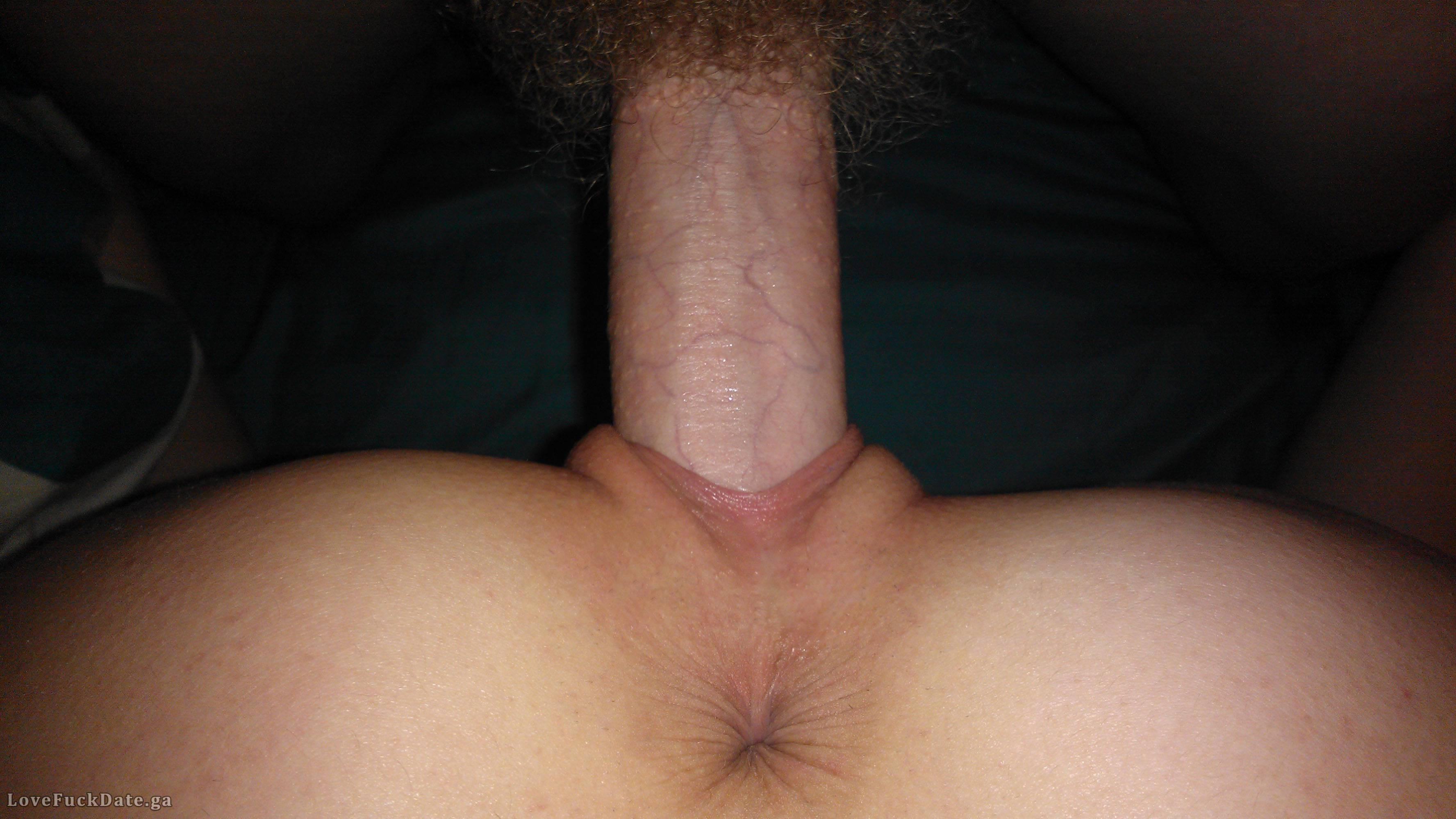 Amateur Pussy Gripping Cock