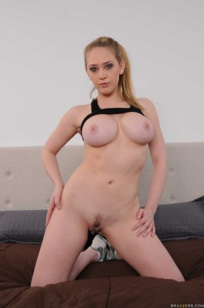 amateur photo Kagney Linn Karter