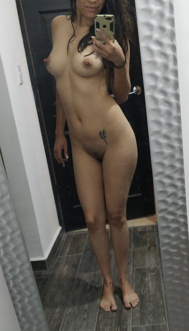 After shower pokies [F34] Porn Photo