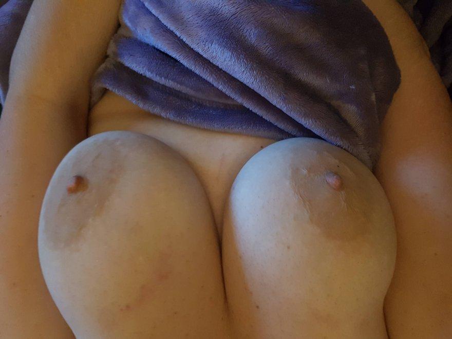 amateur photo IMAGE[Image] I love having my soft nipples sucked!