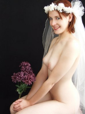 amateur photo redheaded bride