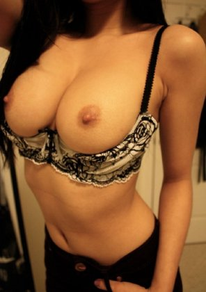 amateur photo PictureTeasing with her sexy tits