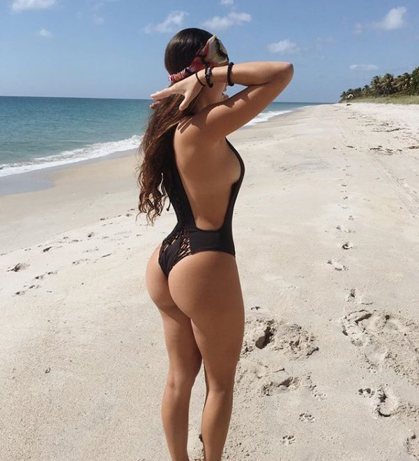 beach butt Porn Photo