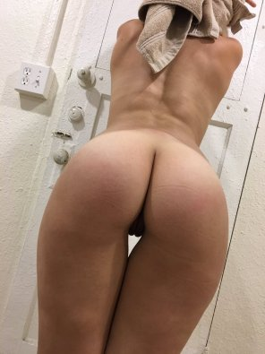 amateur photo Major new up-and-cummer Sloan Harper has some awesome gap!