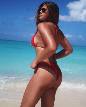 amateur photo sexy babe stuns in a bikini