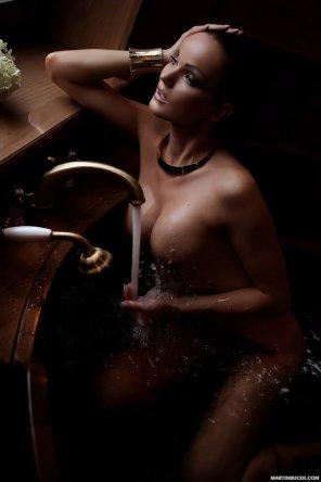 amateur photo Running a bath