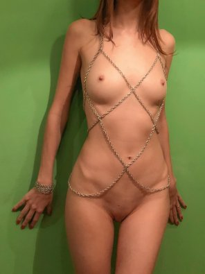 amateur photo In a chain-dress [F]