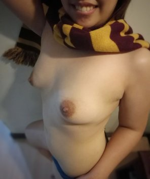 amateur photo Wanna have fun with a Griffyndor Slut? [F]