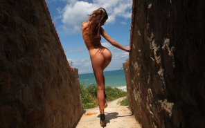 amateur photo Walking and stripping on her way to the beach