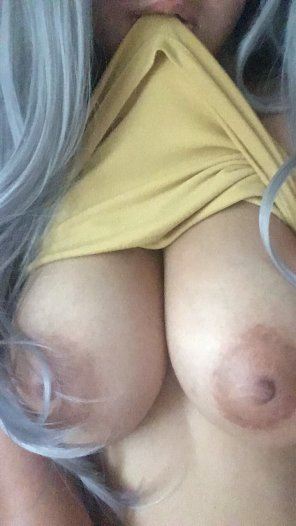 amateur photo [image] happy titty tuesday!