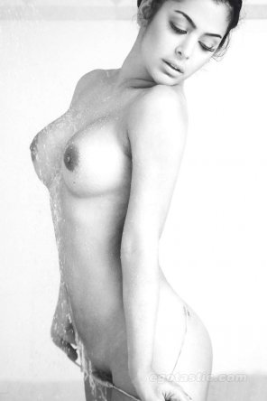 amateur photo Larissa Riquelme